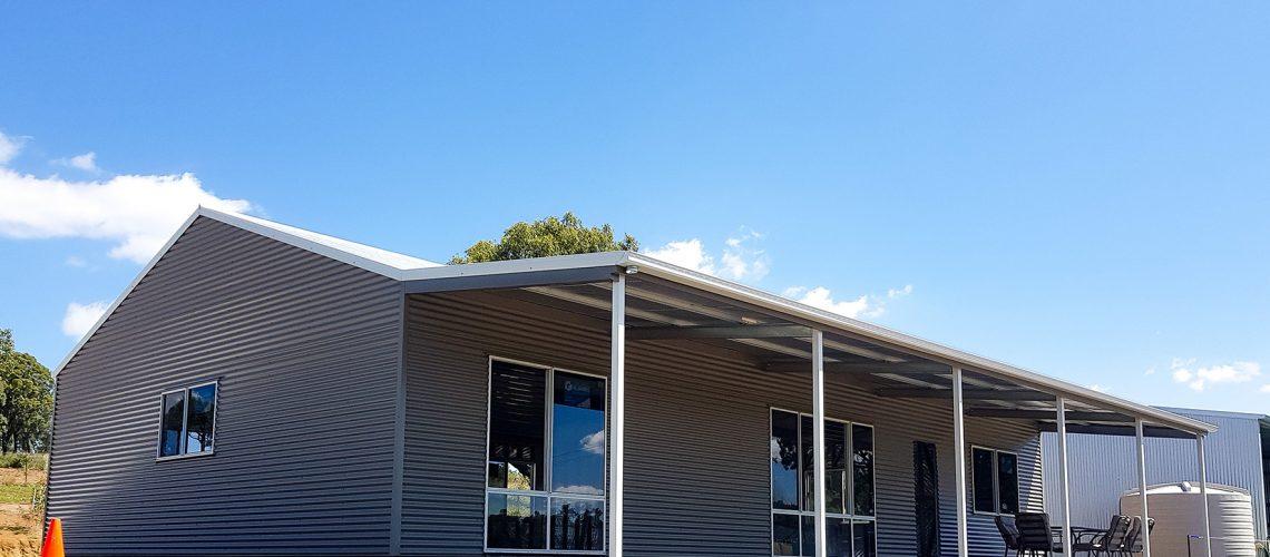 toowoomba custom shed with awnings-1